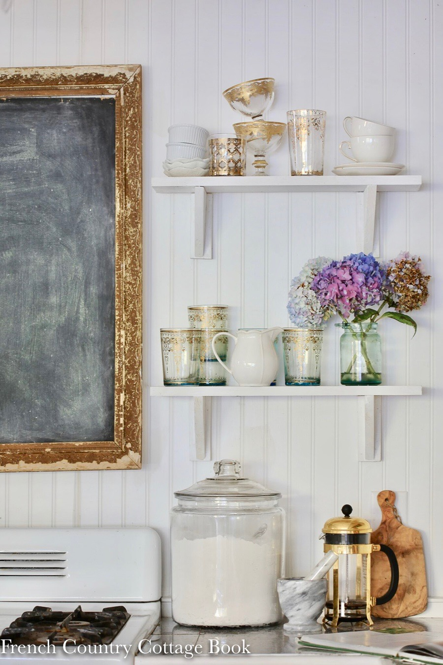 Hutch Decorating Ideas Display Glasses