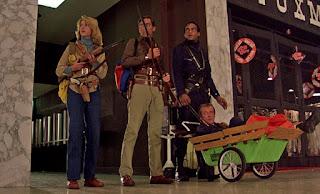 Dunia Sinema Dawn of the Dead 1978 Aksi Protagonis di dalam Mall