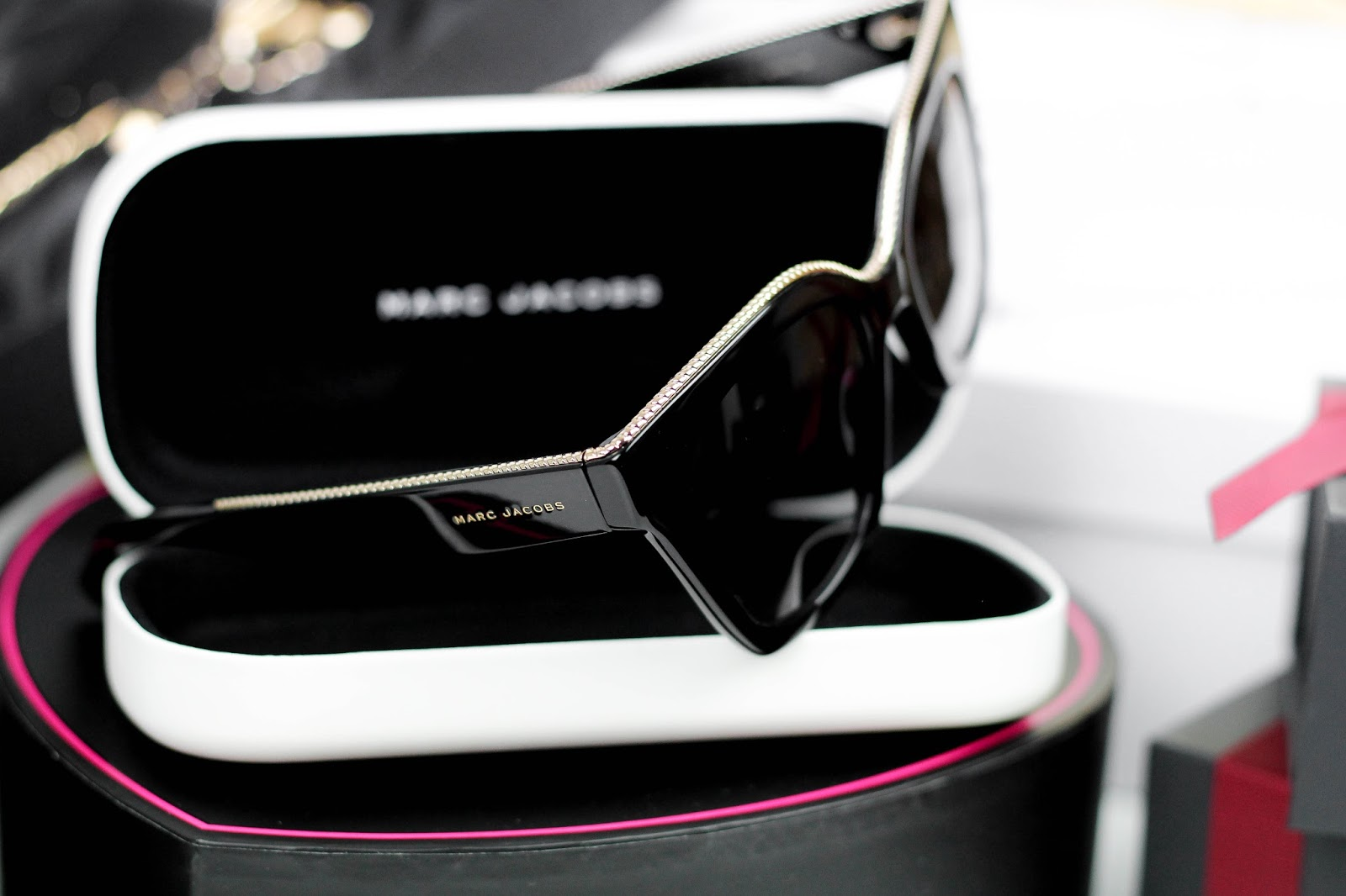 Marc Jacobs MJ162/S Sunglasses Black and Gold