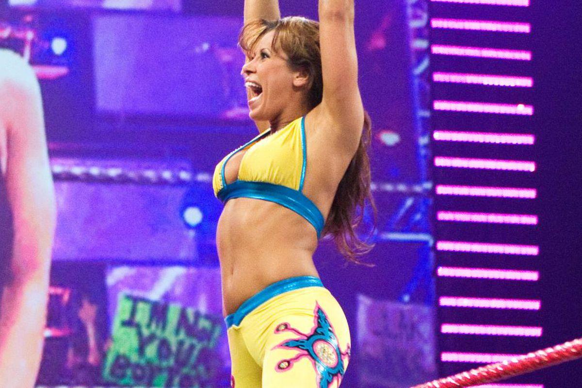 """Mickie James : """"Fui informada que o wrestling feminino não faz dinheiro na WWE"""""""
