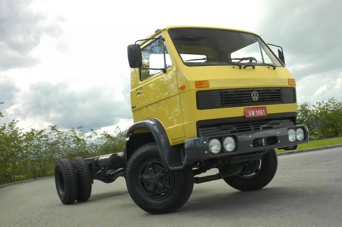 Volkswagen celebra 40 anos da chegada dos primeiros caminhões ao Brasil