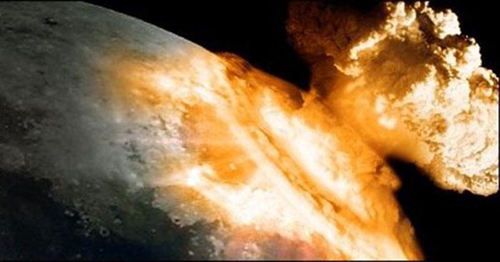 Meledakkan Nuklir di Bulan