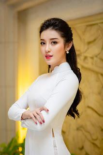 Diện áo dài trắng đơn giản, Á hậu Huyền My vẫn đẹp quyến rũ