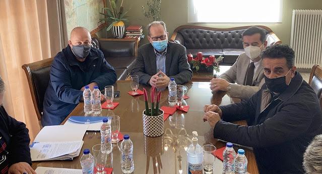 Ναύπλιο: Υπογράφηκε από τον περιφερειάρχη Πελοποννήσου η σύμβαση για το περίπτερο τουριστικής πληροφόρησης