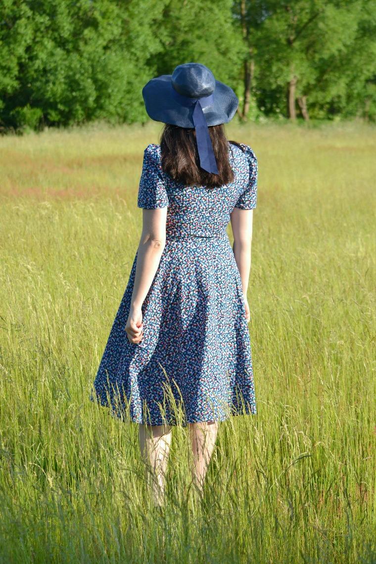 http://emnilda.blogspot.com/2017/06/ulubiona-sukienka-w-kwiatki.html
