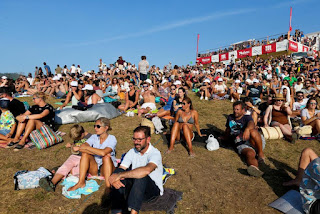 21 Crowd in Pantin Contest Site Pantin Classic Galicia Pro foto WSL Laurent Masurel
