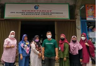 Ketua DPC AJOI Lingga Zulkarnain terima kunjungan Staf Kesbangpol kabupaten lingga