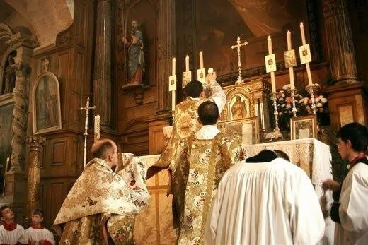 Extraordinary Form of the Mass