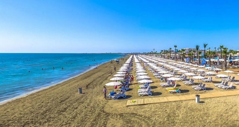 شاطئ ماكنزي - قربص