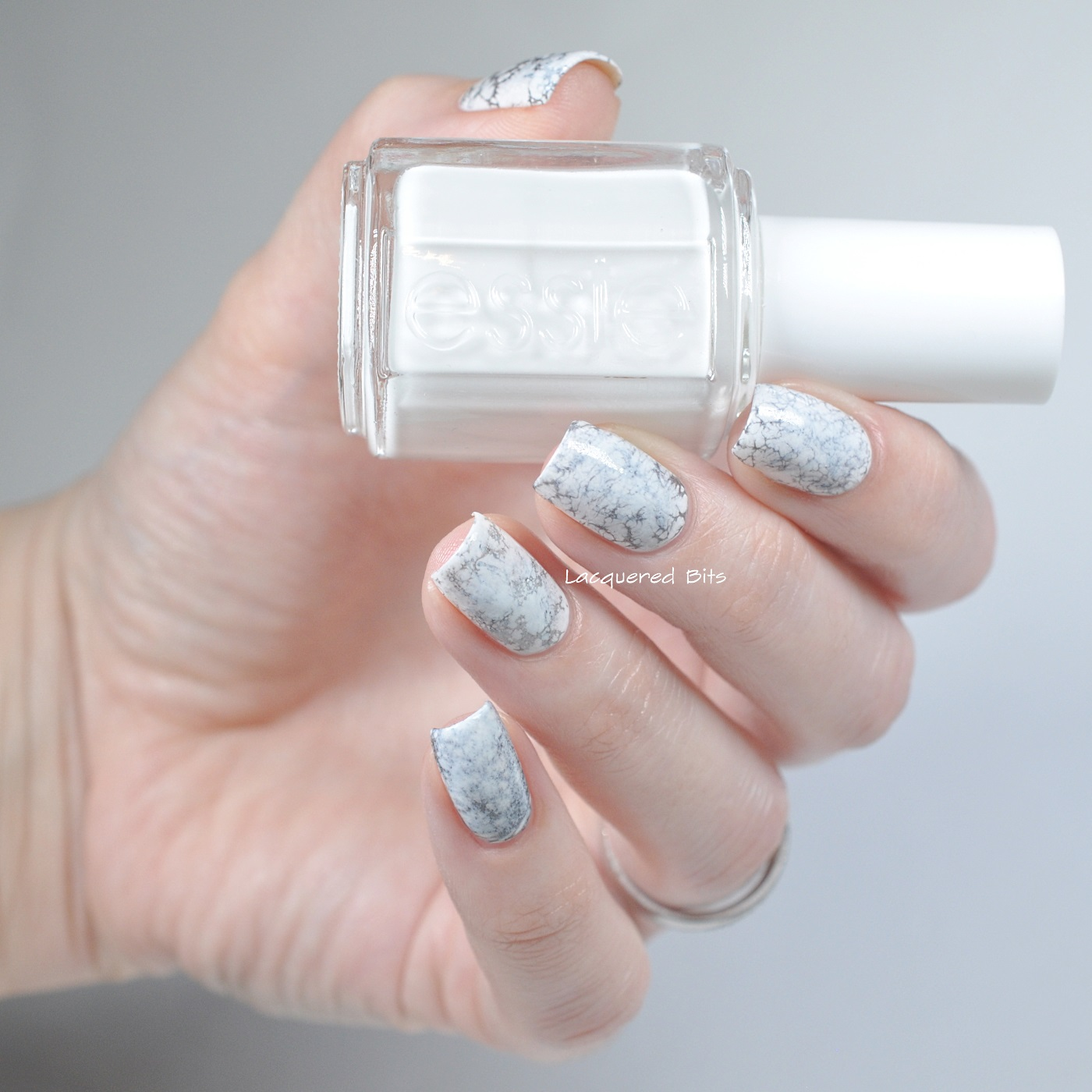 White Marble Nails - Lacquered Bits