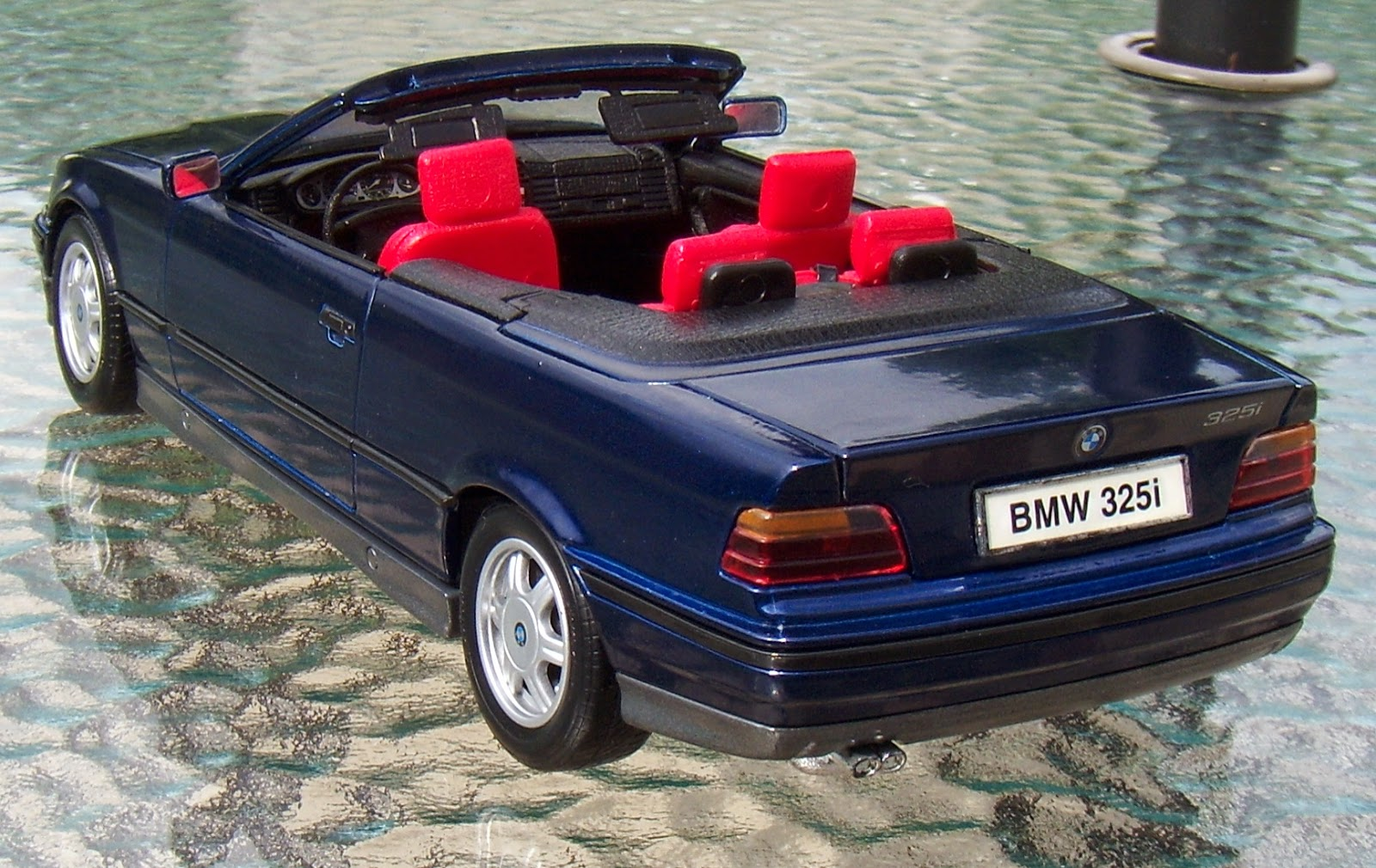 two lane desktop maisto 1 18 bmw 328i convertible. Black Bedroom Furniture Sets. Home Design Ideas