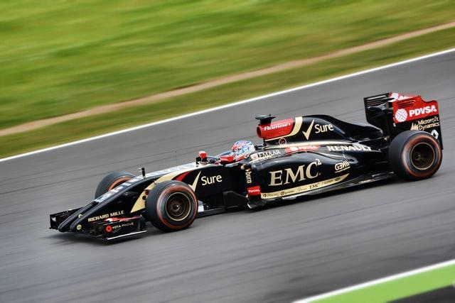 Auto F1 color negro