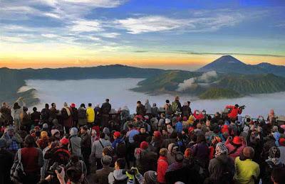 Sunrise di Penanjakan Gunung Bromo