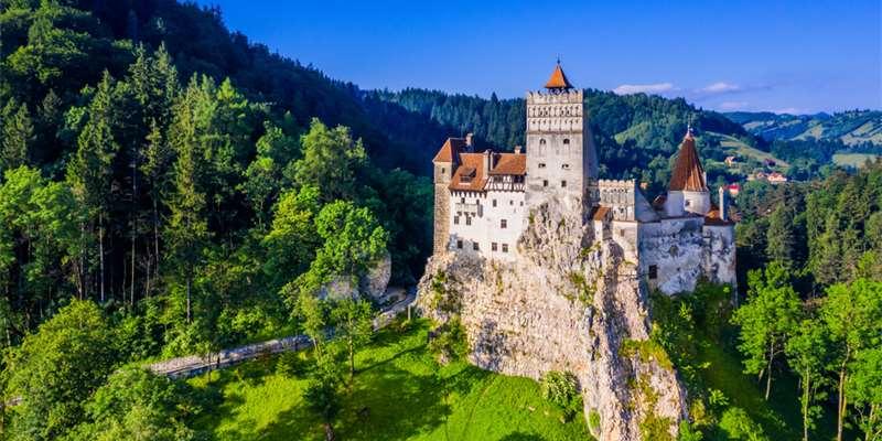 Peleș Castle (Romania) - Moniedism