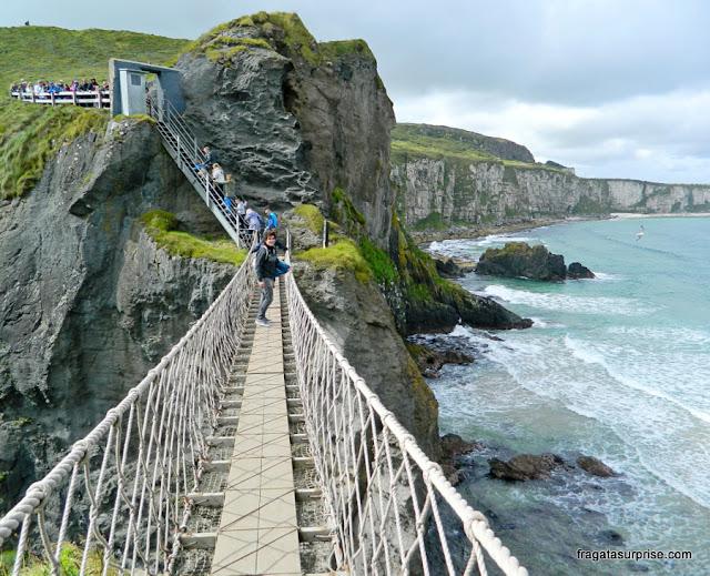 Irlanda do Norte, ponte de cordas de Carrick-a-Rede
