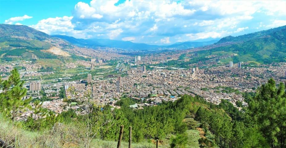 desde las montañas de bello podemos observar toda la ciudad