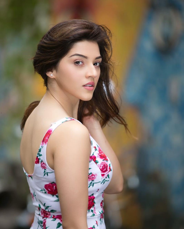 Mehreen Pirzada Photos - HD Actress Photo