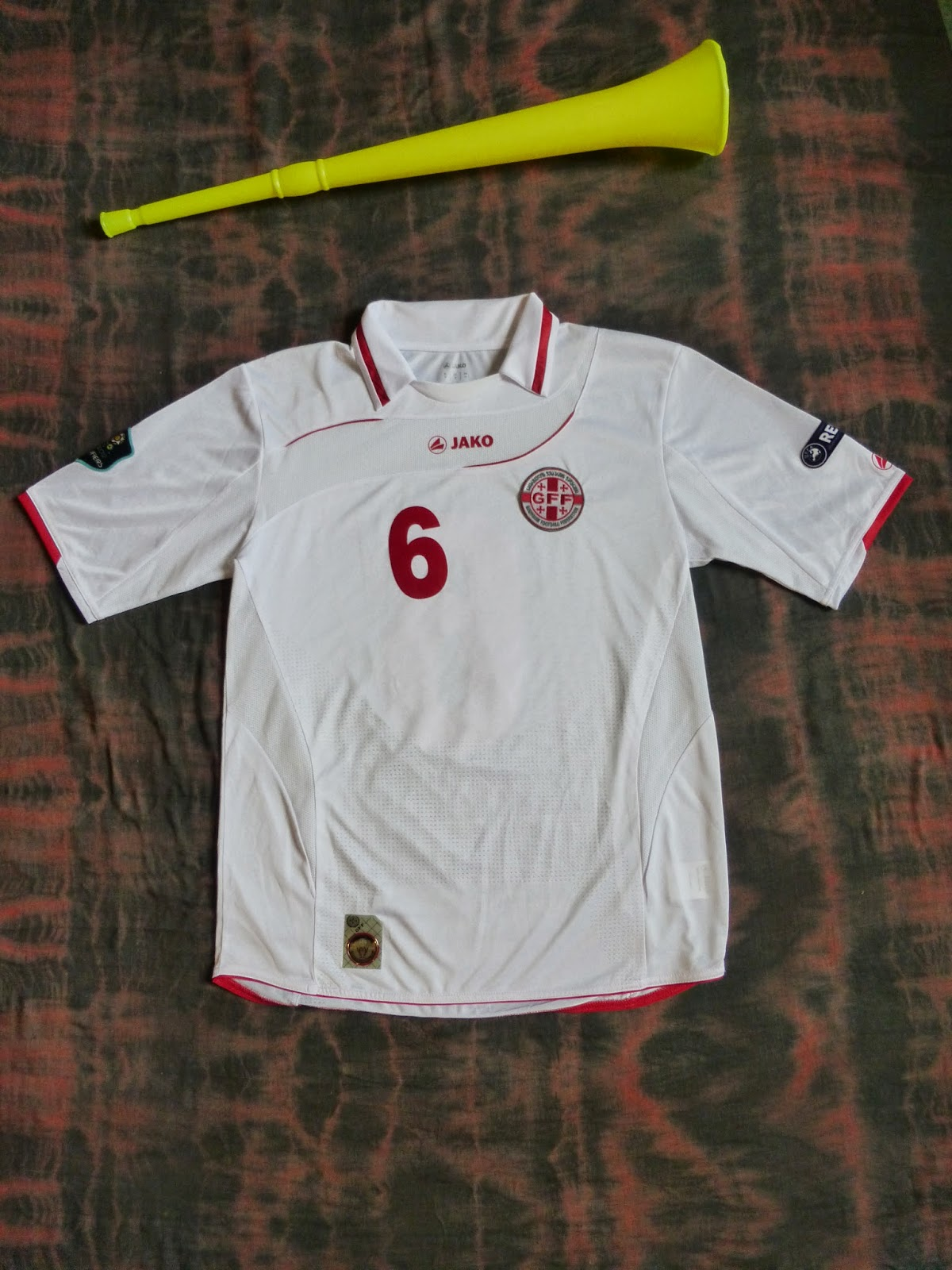 facc6bc4b07d While I do believe my previous Georgia shirt is genuine I have never been  quite 100% certain, so during a recent sale on classicfootballshirts.co.uk  I ...