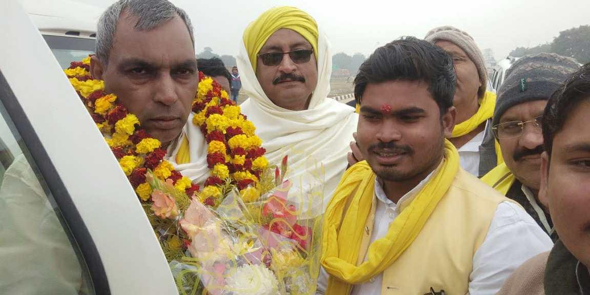 Siddharth%2BRajbhar%2Bvaransi वाराणसी युवा जिला अध्यक्ष द्वारा वाराणसी की धरती पर मा. ओमप्रकाश राजभर जी का स्वागत ।