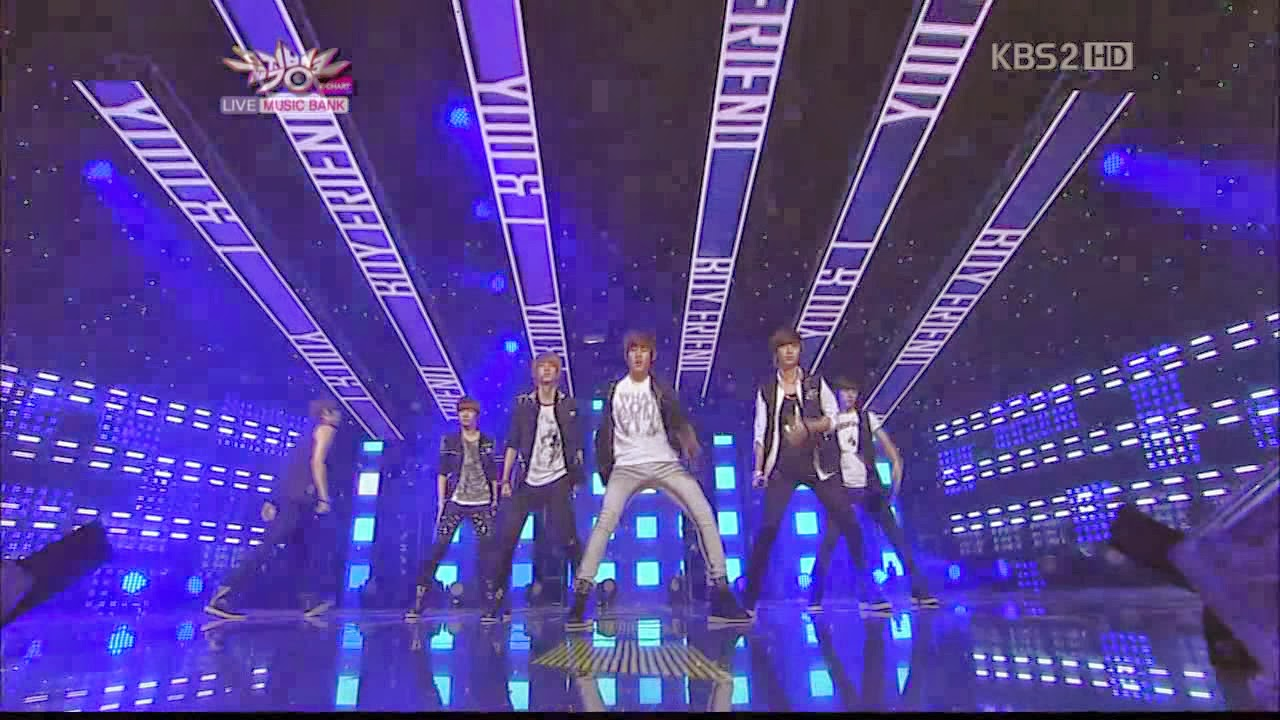 [Perf] Boyfriend - You & I [English subs + Romanization] Boyfriend+-+You+&+I.avi_snapshot_02.16_%5B2014.02.26_22.14.27%5D