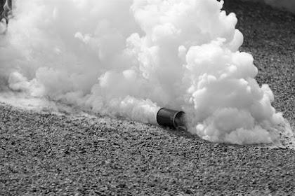Mengenal Gas Air Mata,  Efek yang Ditimbulkan Serta Penanganannya