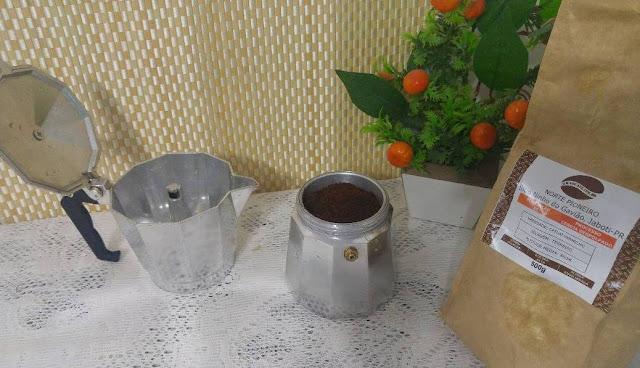 Cafe Bourbon Amarelo,graocafe.com.br,resenha Clube do Café,100% Arábica,recebido mês de abril,café passado,cafeteira italiana,café selecionado e  saboroso