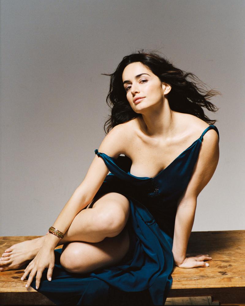 Sexy Cleavage Ana de la Reguera Mexican actress
