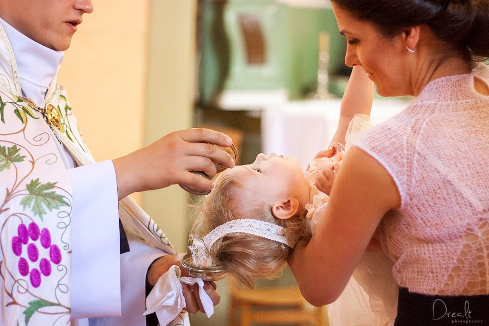 Krikštynų fotografas. Ceremonija