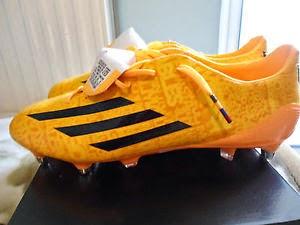 reputable site 38de4 e9807 Adidas Adizero IV Lionel Messi Gold Edition