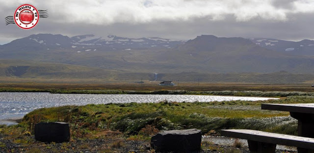 Olafsvik (con la cascada Svodufoss), Snæfellsnes, Islandia