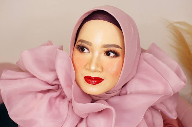 Makeup coach by Mayrindra