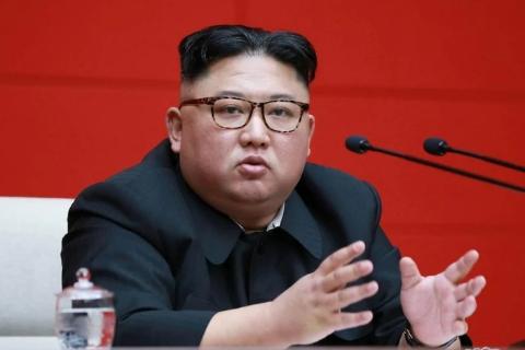 Kim Jong gets a secret Corona vaccine with the family