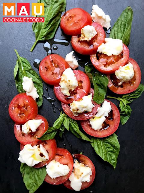 ensalada italiana de tomate caprese facil vegetariana rapida receta