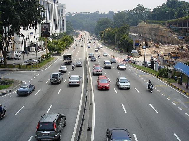 Agar Tidak Mengalami Kecelakaan di Jalan Raya, Perhatikan Hal-hal Ini