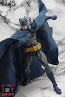 MAFEX Batman (Batman: Hush) 12