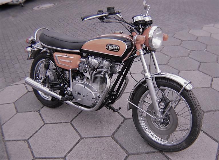 Yamaha XS2  Average Mileage (1971) - Per Liter, Kmpl & More