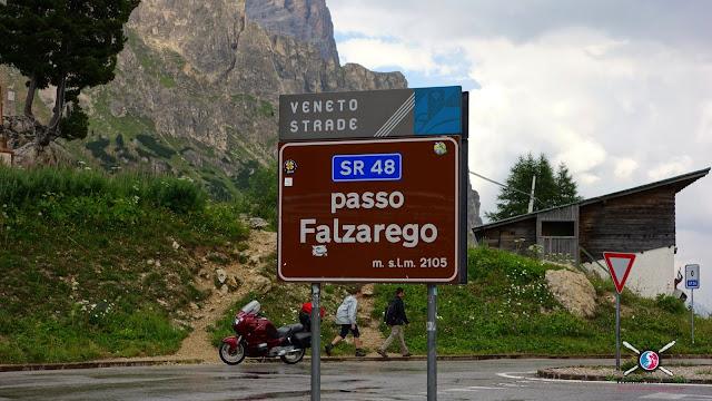 Biken am Passo Falzarego