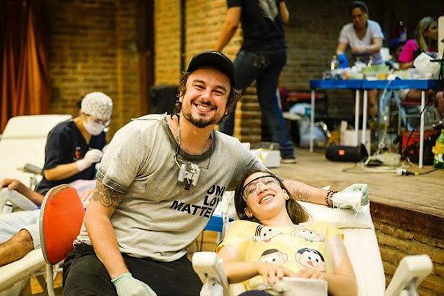 Молодой стоматолог из Бразилии путешествует по миру и бесплатно лечит зубы малоимущим людям