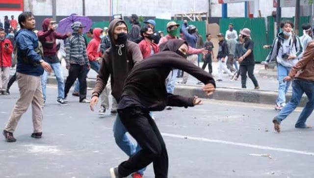 Demo penolakan UU Cipta Kerja, Diduga ada pemasok Bom Molotov
