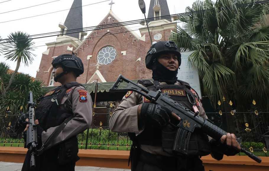 Sebanyak 3.000 personel kepolisian disiagakan guna mengamankan perayaan Natal 2020 dan Tahun Baru 2021 di Bengkulu. Informasi ini disampaikan Kombes Pol Sudarno dalam keterangannya, Kamis (24/12).