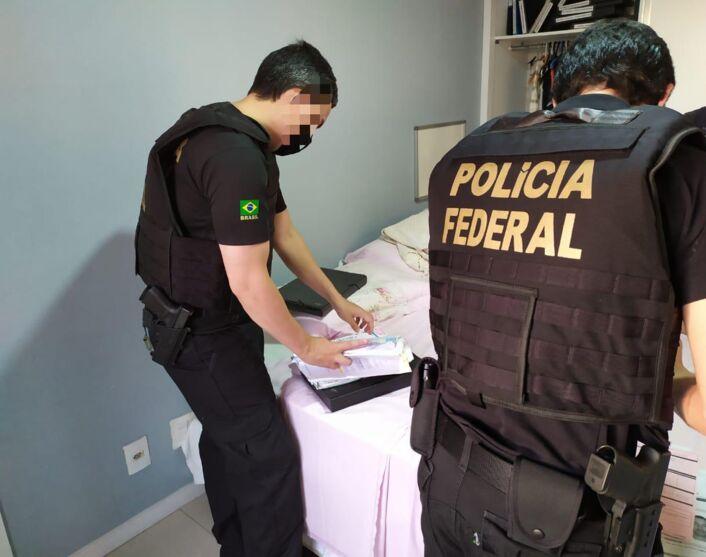 Candidato a prefeito de Belém que teve apoio de Bolsonaro é alvo de operação da PF