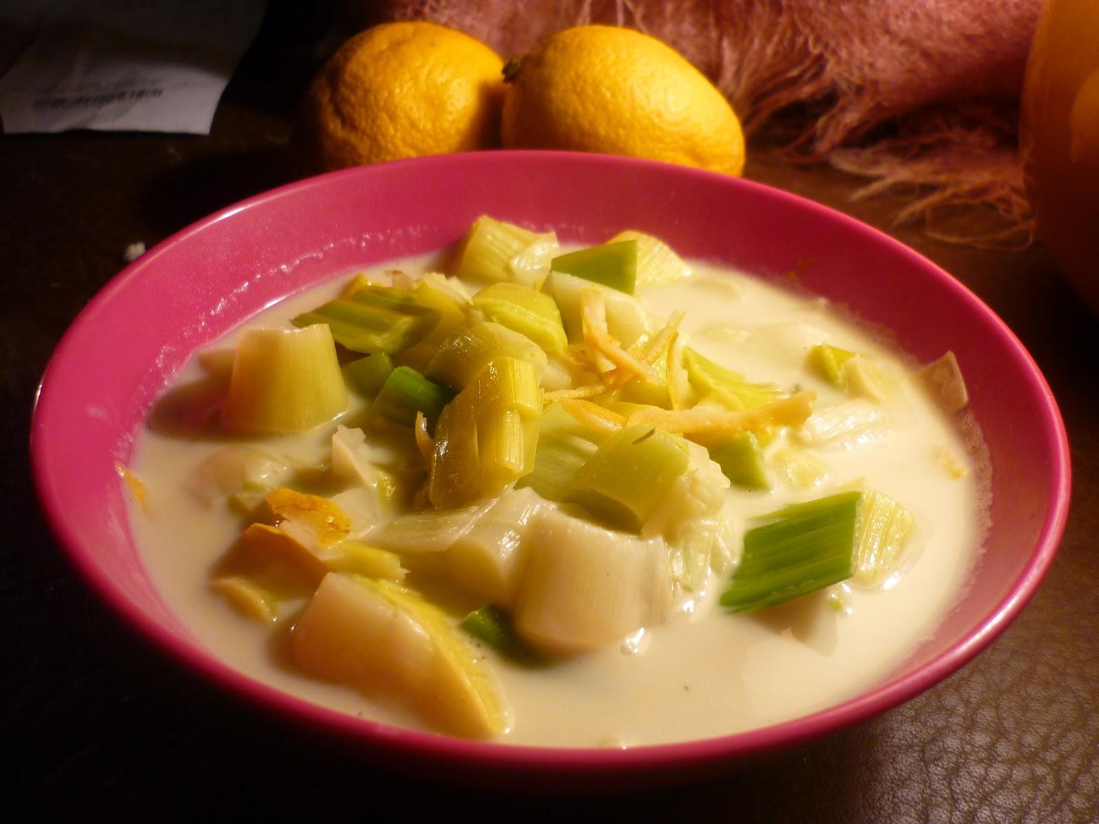 https://cuillereetsaladier.blogspot.com/2013/02/poireaux-en-nage-de-coco-citronnee.html