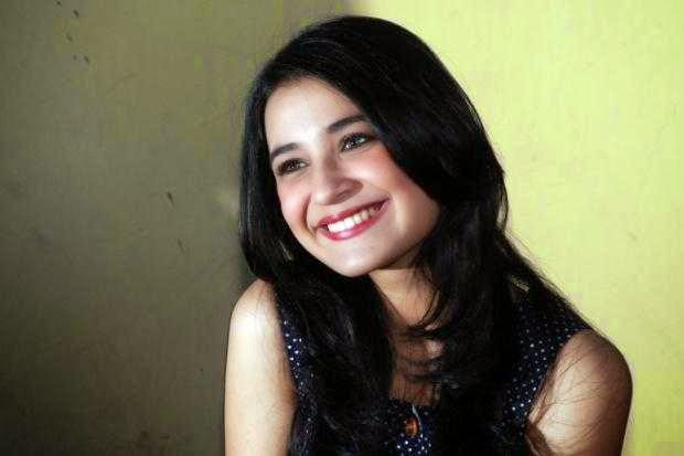 Shireen Sungkar images
