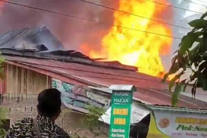 BREAKING NEWS: Kebakaran Terjadi di Tokaseng Tellu Siattinge