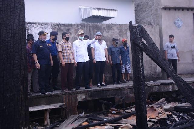 Walikota Palembang Tinjau Langsung Lokasi Kebakaran di Kawasan 32 Ilir