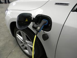 Elektromobilität langfristig kostengünstiger