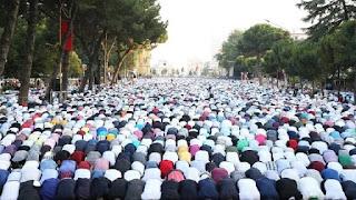 رسمياً شيخ الأزهر يجيز صلاة العيد في المنازل ومنع اقامتها في المساجد