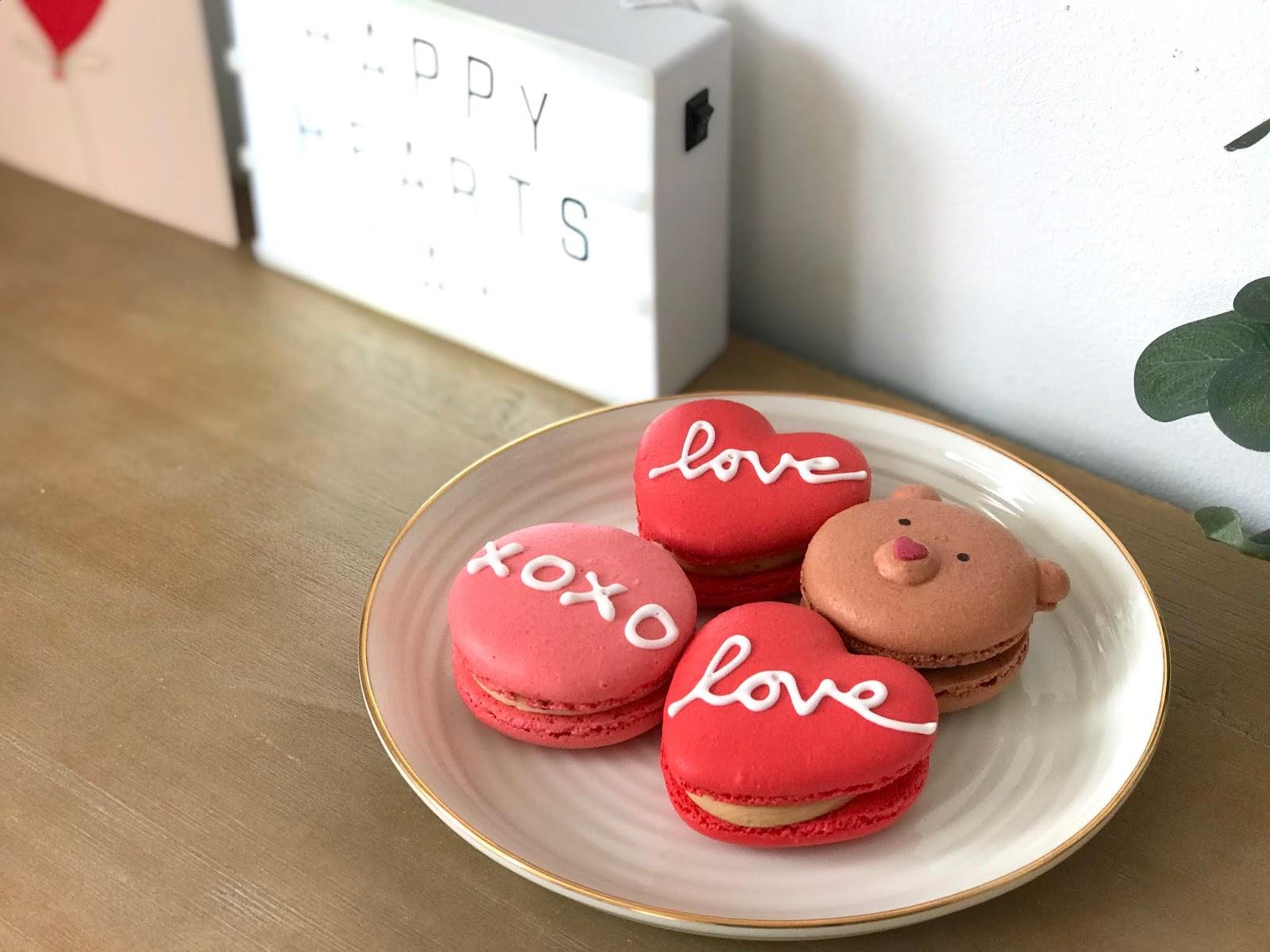 yolkin-valentines-macarons