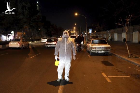 Ca nhiễm mới ở Iran gấp gần 11 lần Trung Quốc, lực lượng tinh nhuệ vào cuộc
