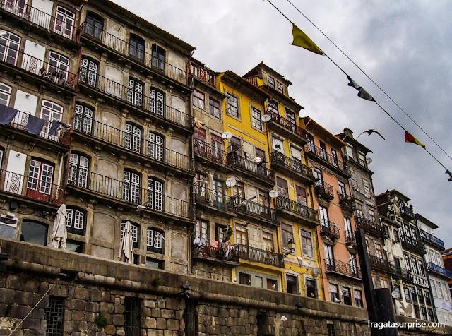 Casario no Cais da Ribeira, Porto, Portugal
